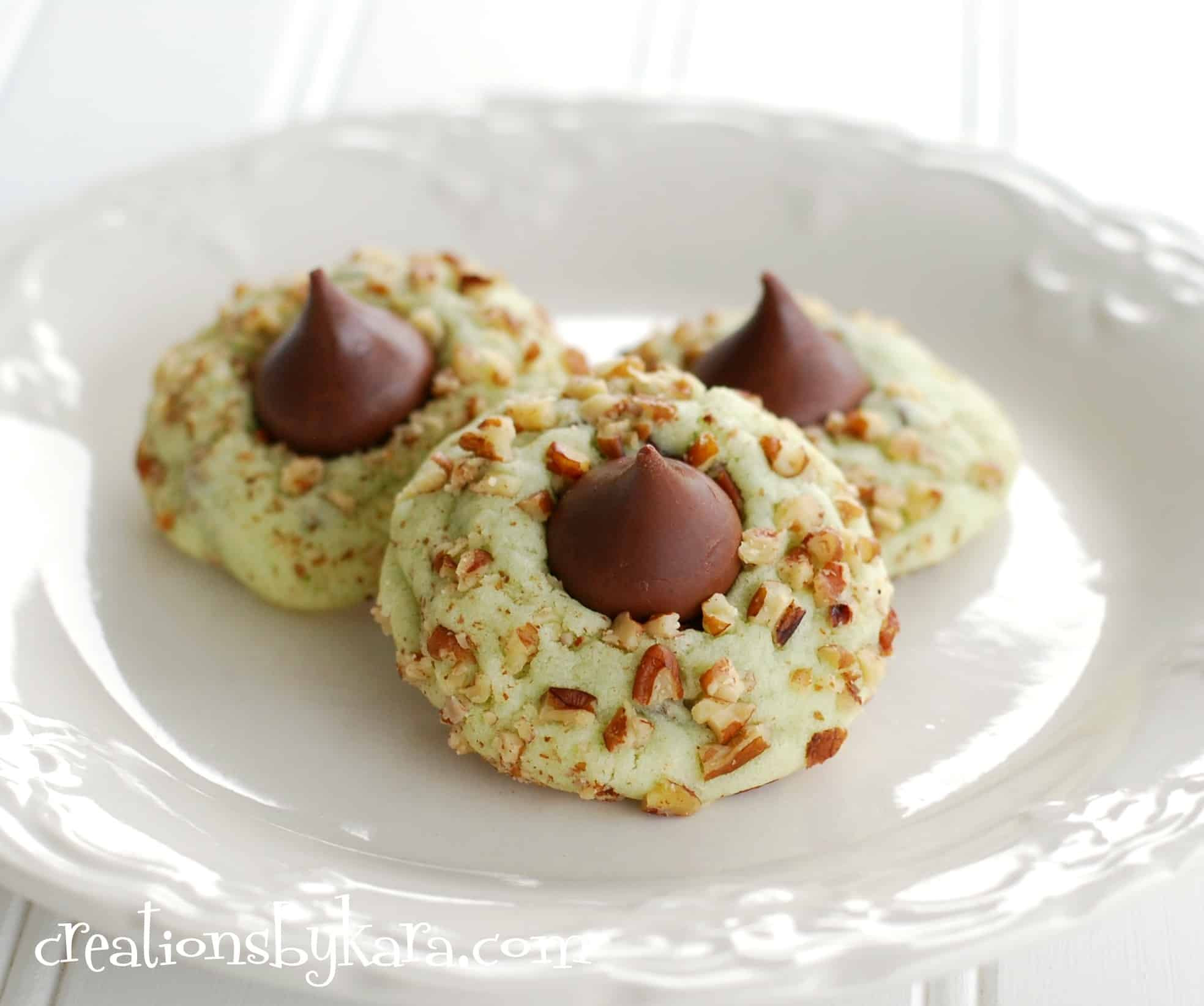 Recipes For Christmas Cookies  Pistachio kiss cookies