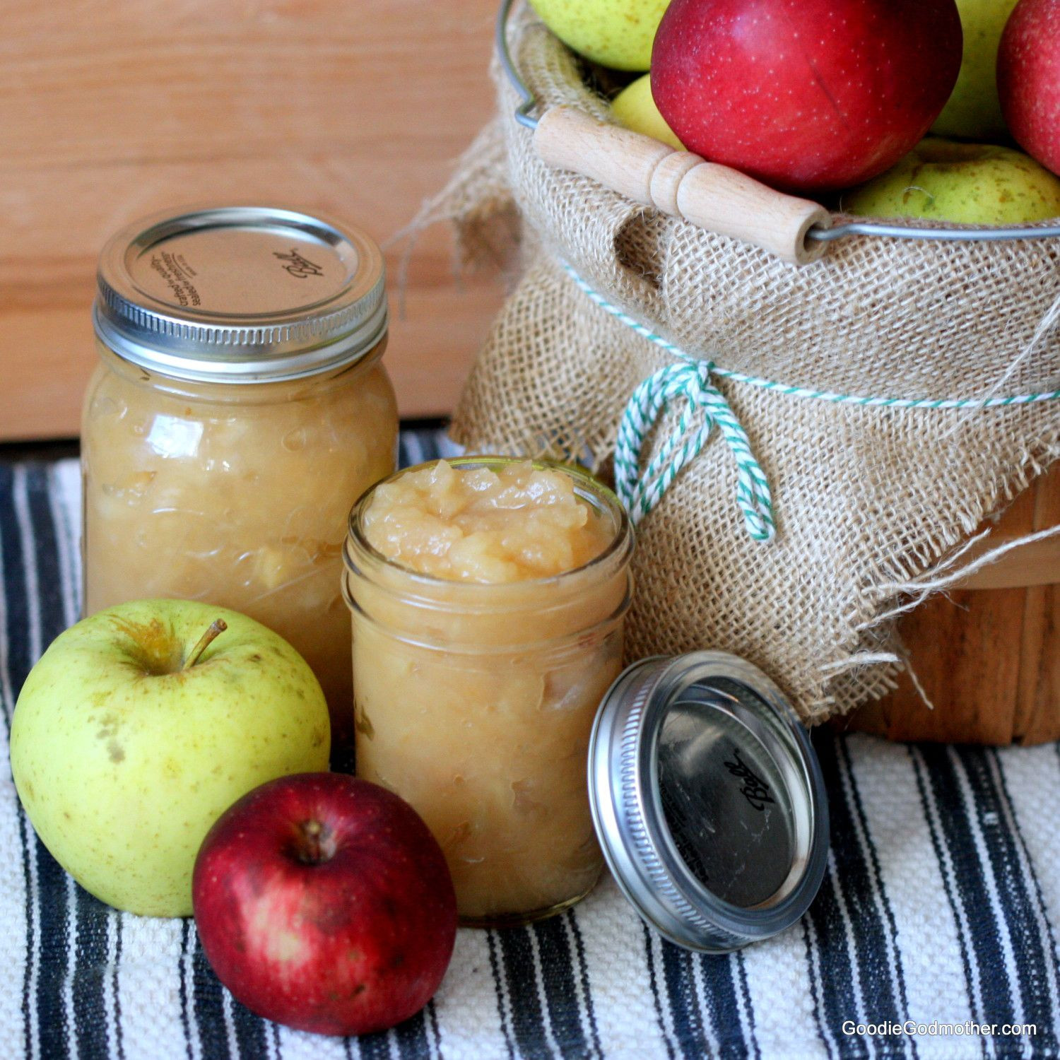 Recipes Using Applesauce  Crock Pot Applesauce No Sugar Added Goo Godmother