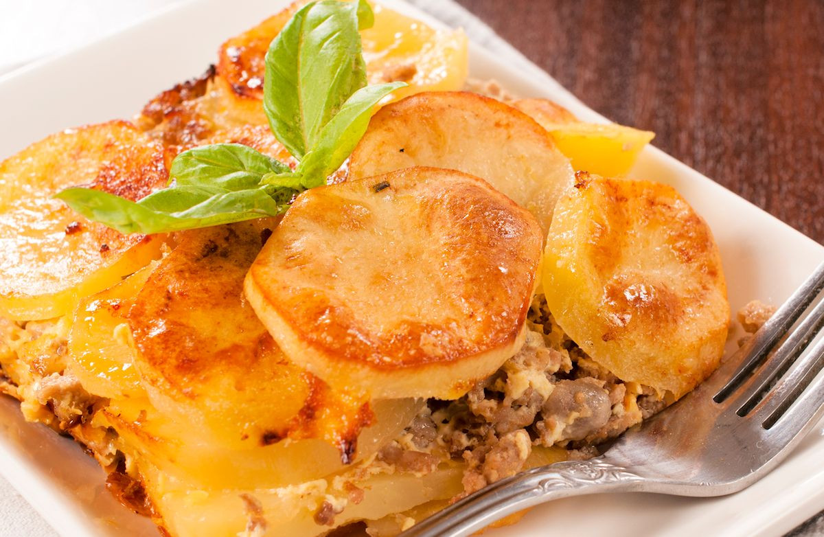Recipes With Ground Beef And Potatoes  Ground Beef and Potato Casserole Recipe