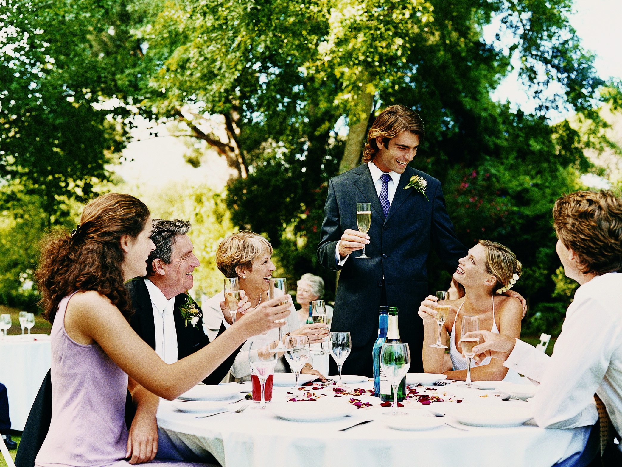 Rehearsal Dinner Toasts  The Difference Between the Rehearsal Dinner & Reception