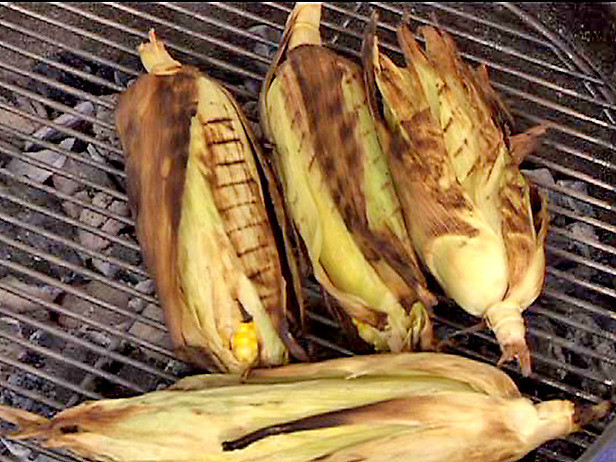 Roast Corn On Grill  How to Roast Corn on the Grill