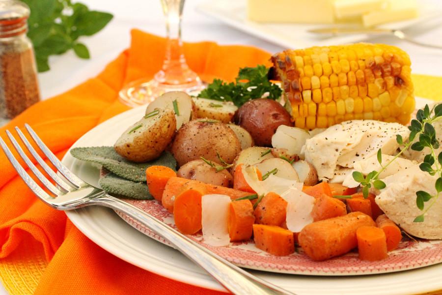 Roasted Chicken Dinners  e Pot Herb Roasted Chicken Dinner