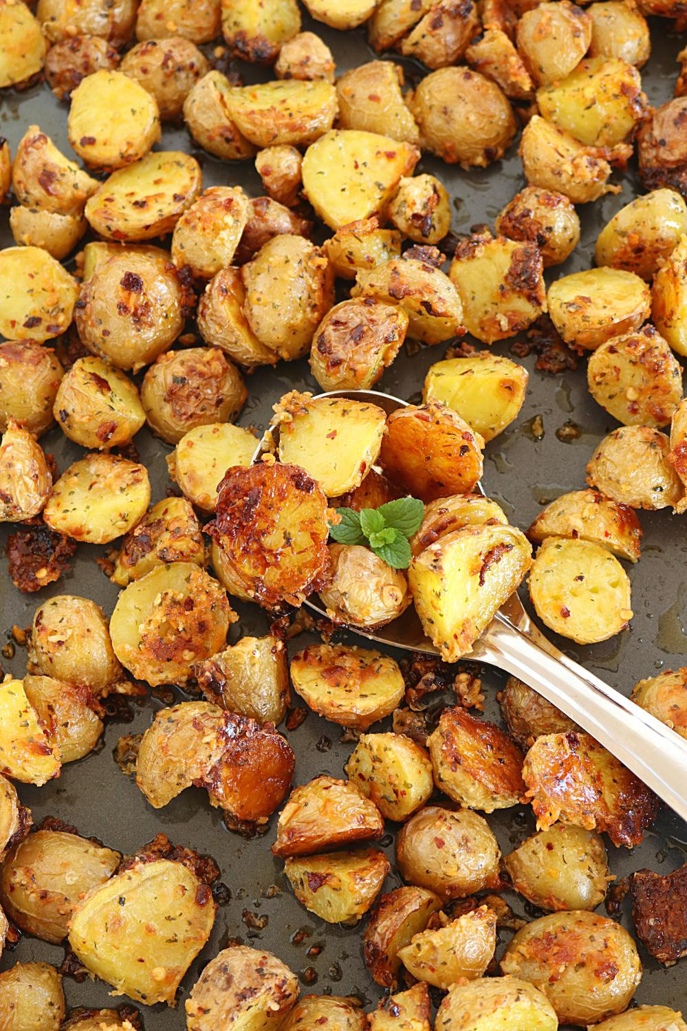 Roasted Potatoes In The Oven  Oven Roasted Potatoes Crispy Oven Roasted Potatoes how