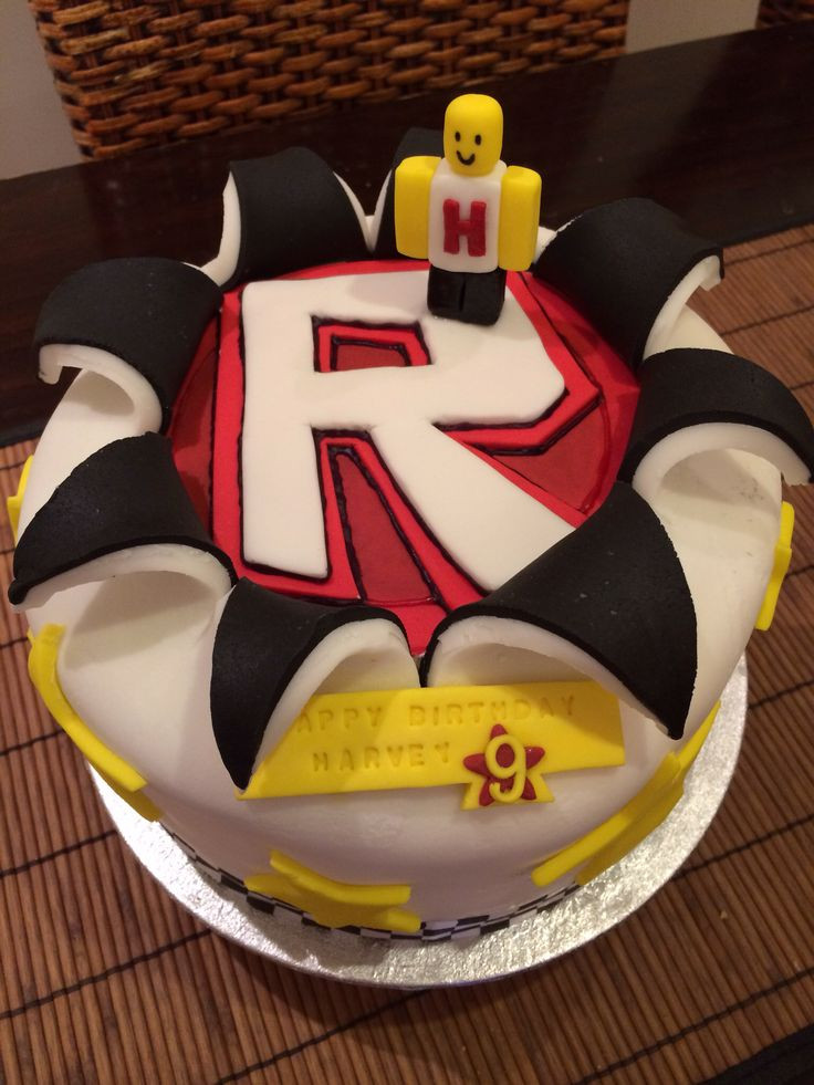 Roblox Birthday Cake  22 best images about Roblox cakes on Pinterest