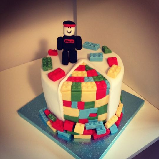 Roblox Birthday Cake  Roblox Lego cake Cake by jay CakesDecor