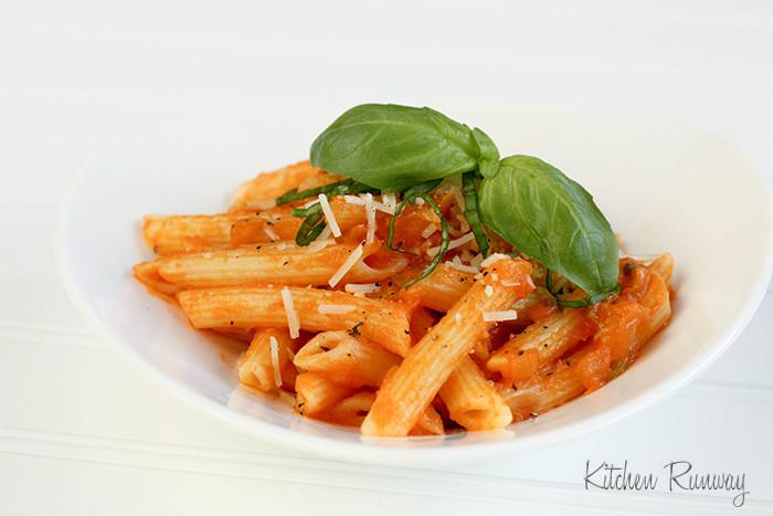 Roma Tomato Sauce  Pasta with Fresh Roma Tomato Sauce