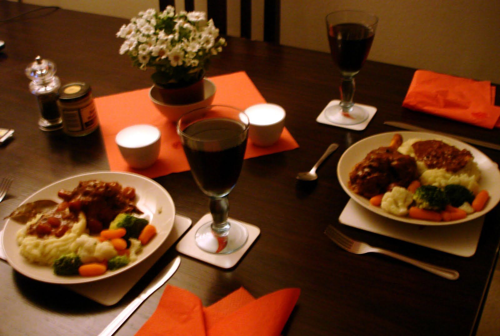 Romantic Dinner For Two  Romantic Dinner For Two At Home World The colors are