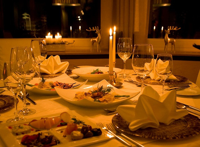 Romantic Dinner For Two At Home  How to plan a Candlelight Dinner at Home With your love