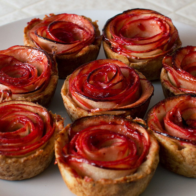 Rose Apple Pie  Mini Apple Rose Pies FMITK From My Impossibly Tiny Kitchen