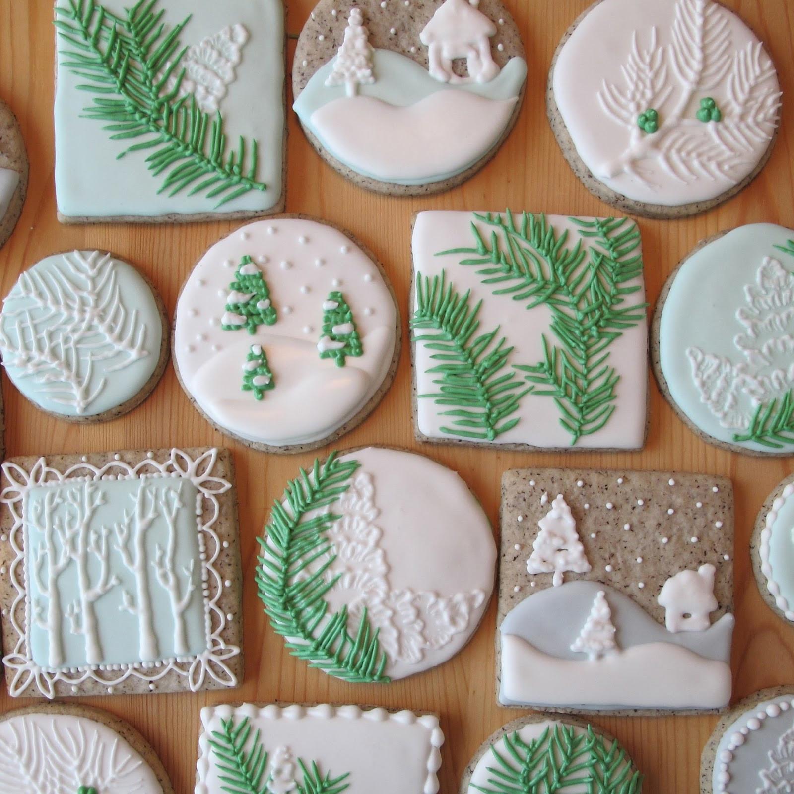 Royal Icing Recipe For Sugar Cookies  Christmas Sugar Cookies With Royal Icing – Happy Holidays