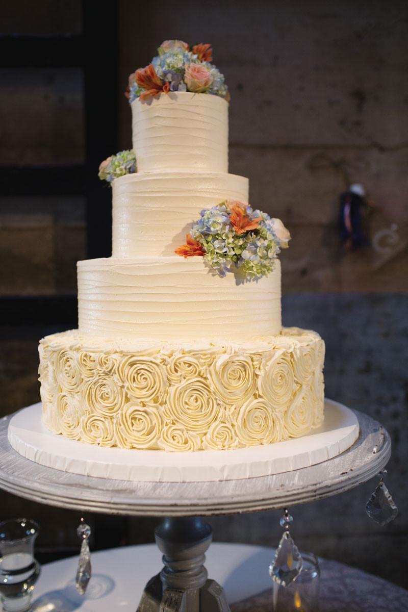Rustic Wedding Cakes  Great Winter Wedding Cake Ideas For You and Your Partner