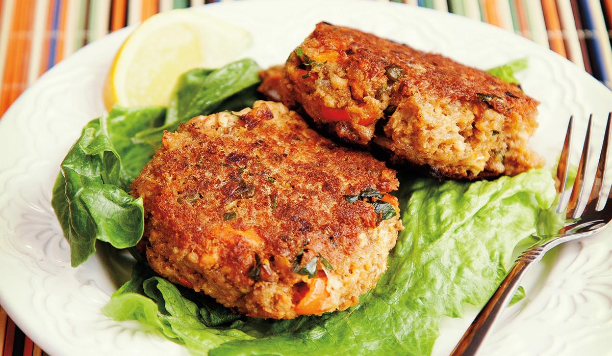 Salmon Cake Recipe  Salmon Cakes