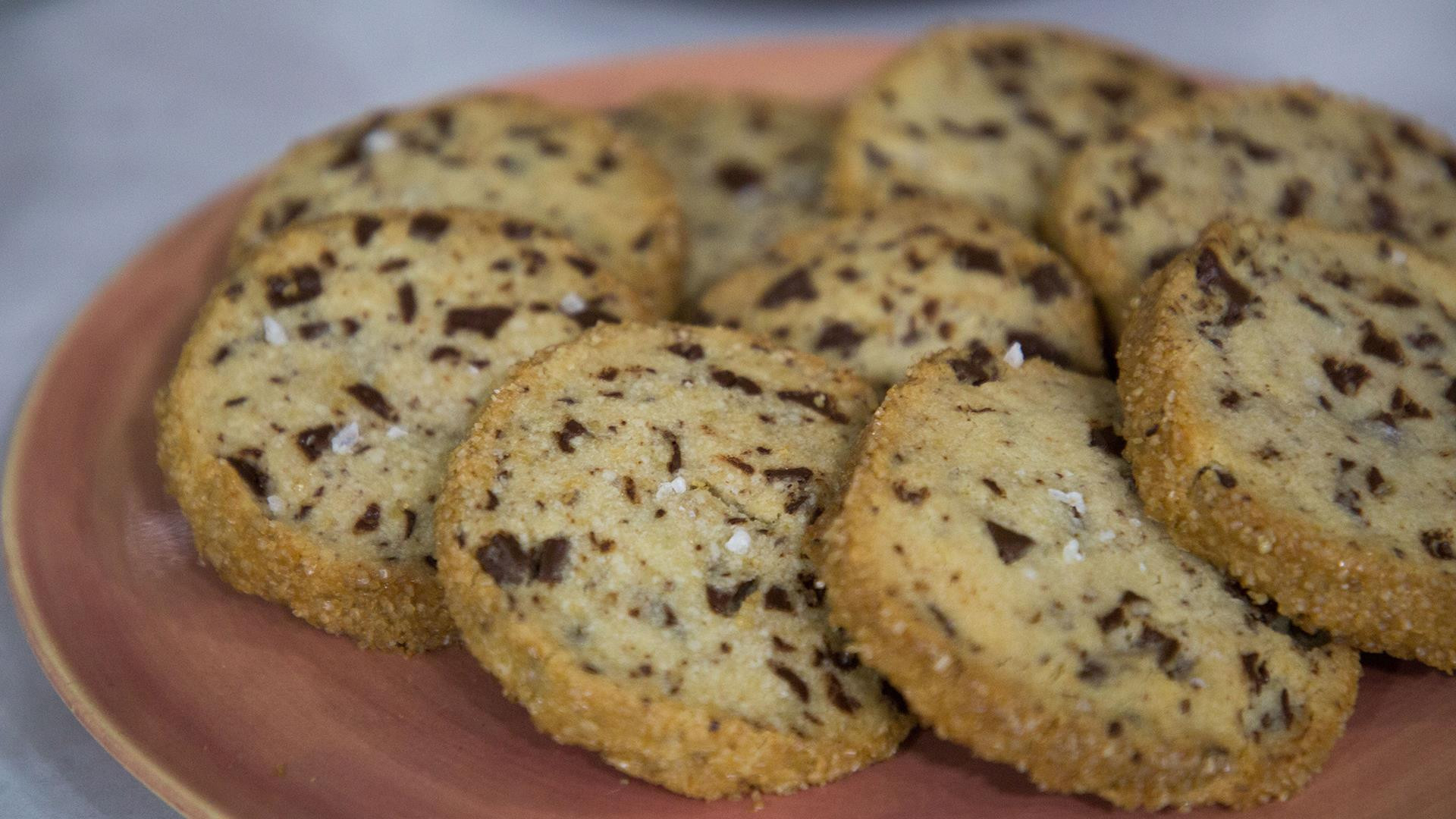 Salted Butter Chocolate Chunk Shortbread Cookies  Salted butter and chocolate chunk shortbread cookies Make