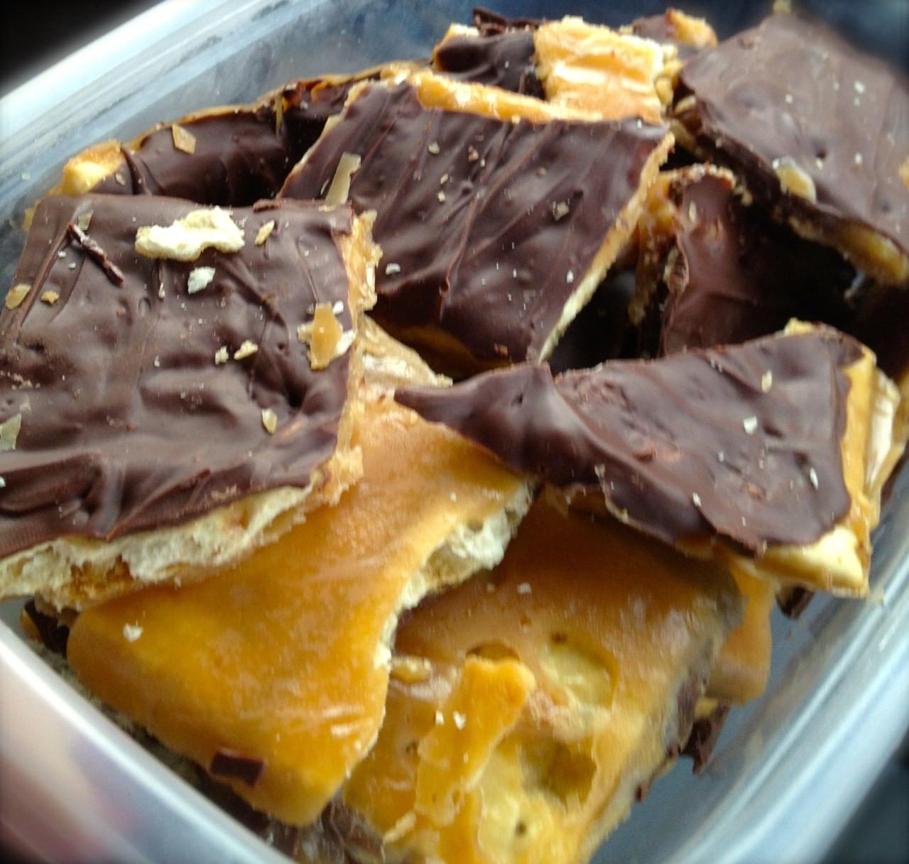 Saltine Crackers Dessert  Saltine Cracker Toffee Beyer Beware