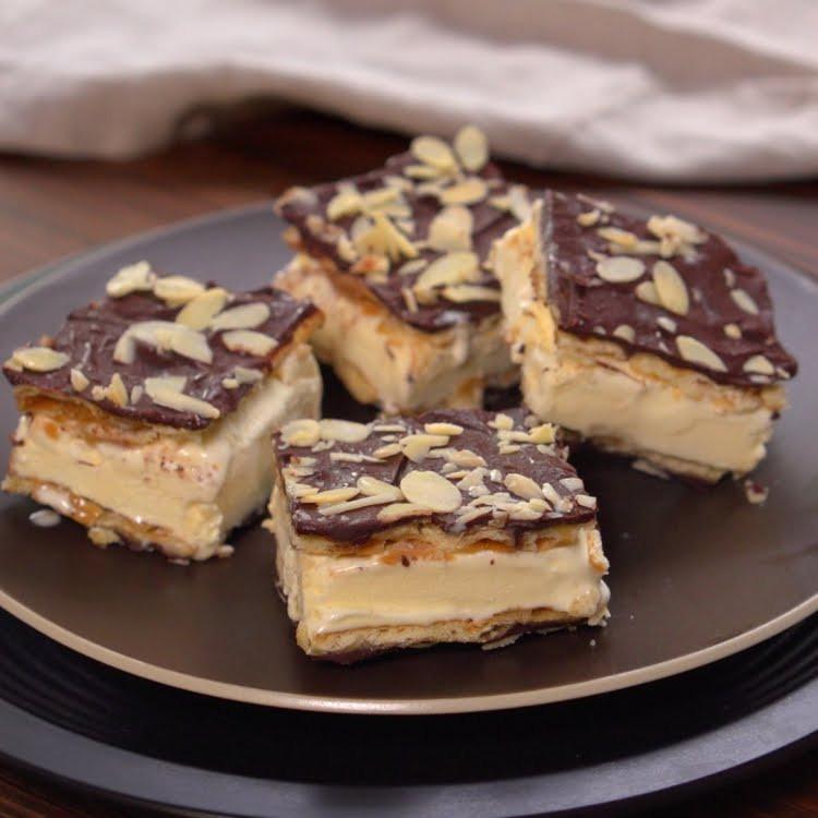 Saltine Crackers Dessert  She Transforms Saltine Crackers Into A Dessert