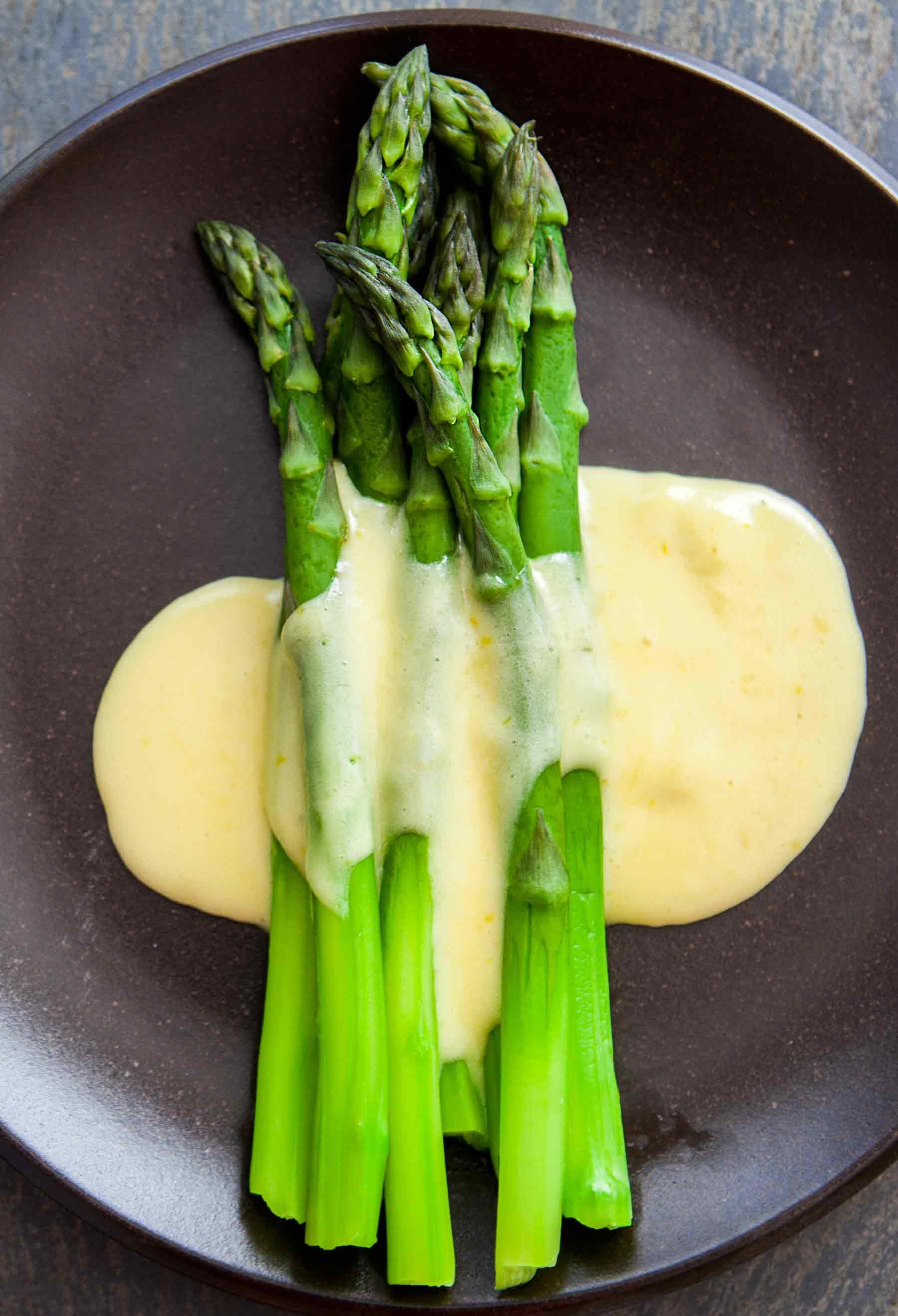 Sauce For Asparagus  Steamed Asparagus and Homemade Hollandaise
