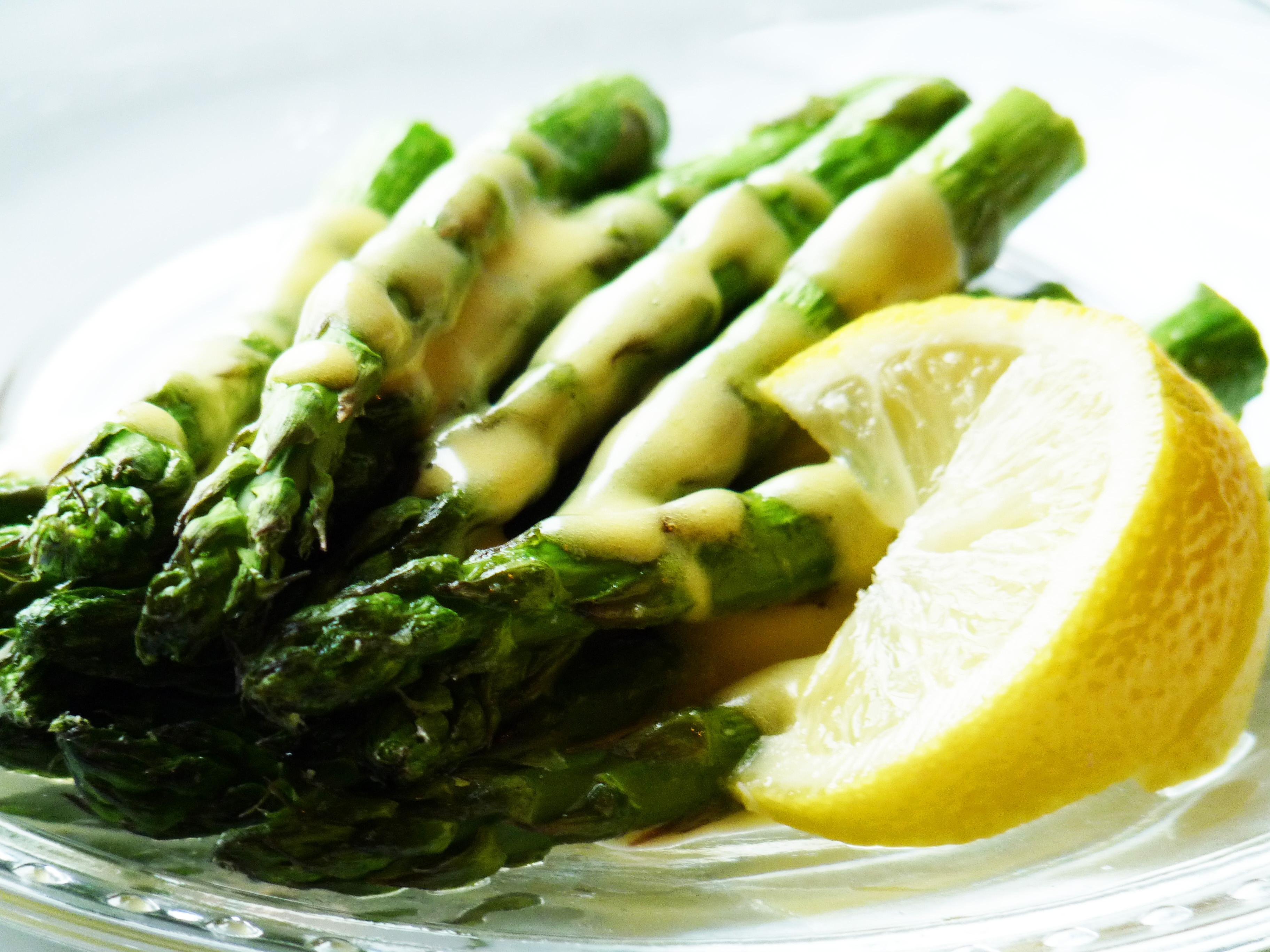 Sauce For Asparagus  Roasted Asparagus with Hollandaise Sauce