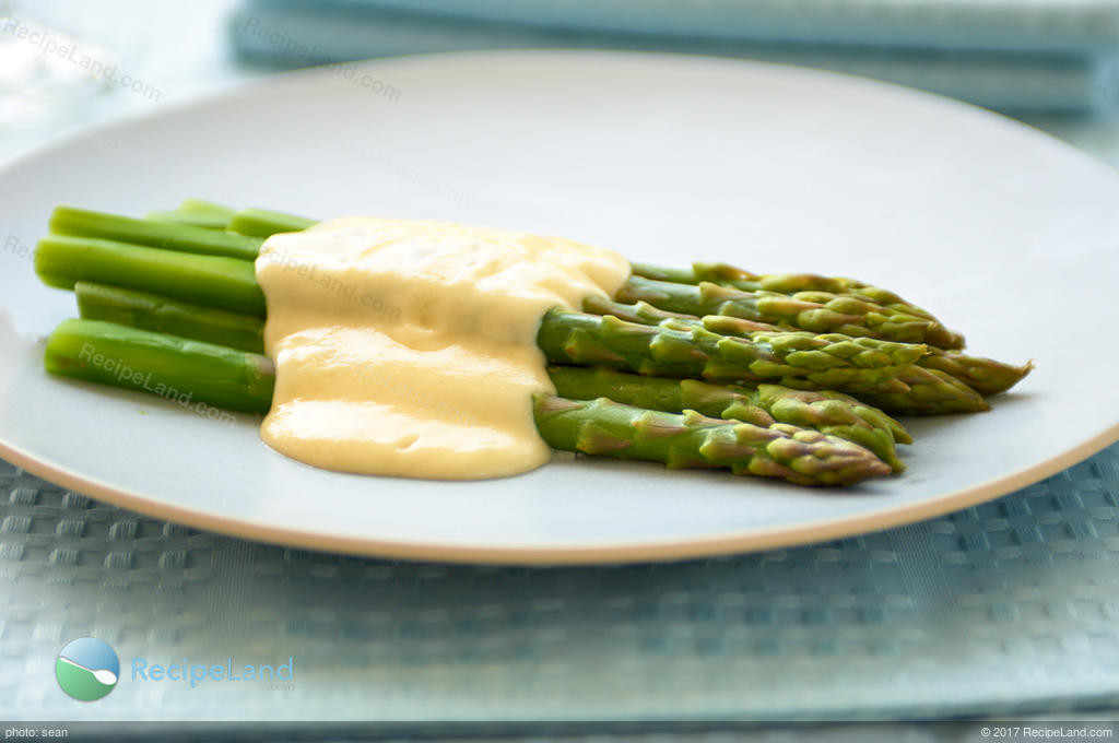 Sauce For Asparagus  Baked Asparagus with Parmesan Cream Sauce Recipe