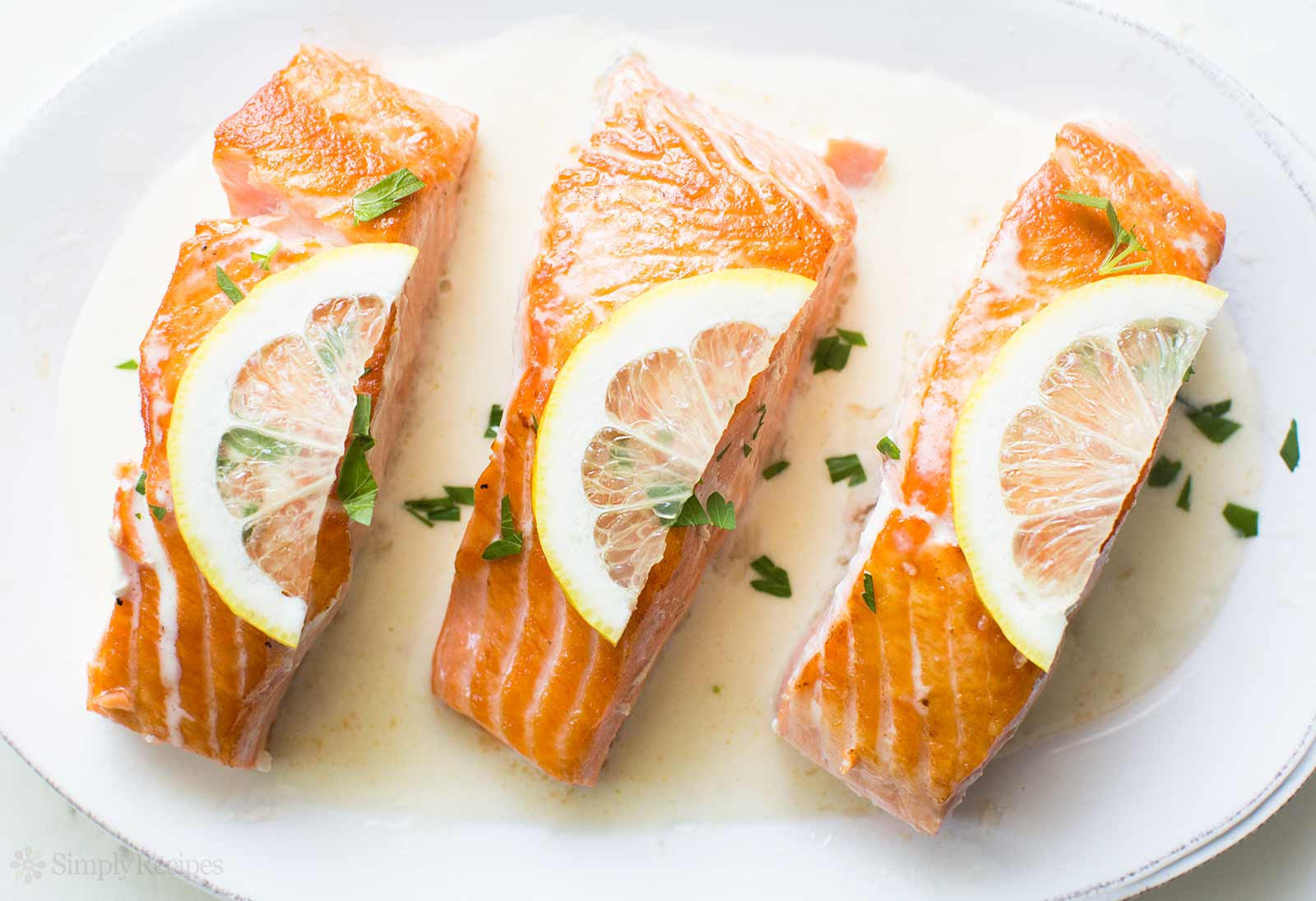 Sauces For Salmon  Salmon with Lemon Cream Sauce Recipe