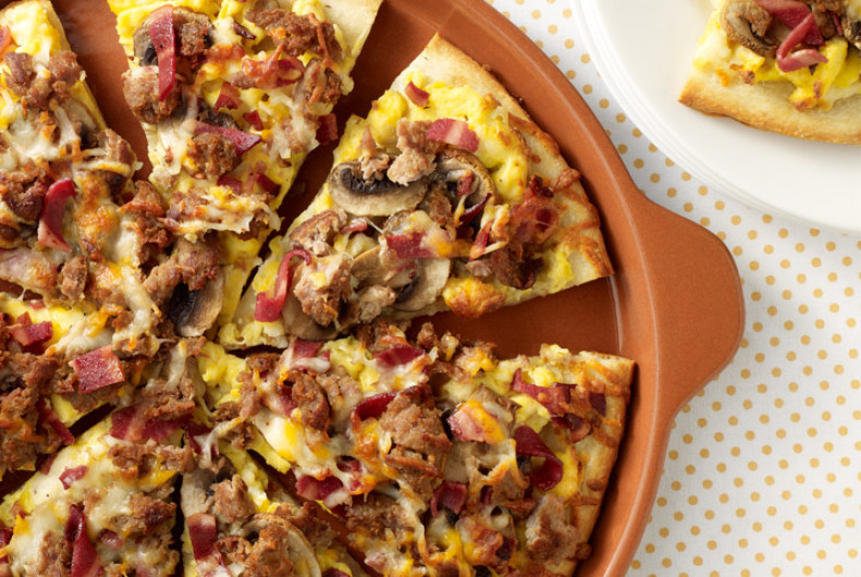 Sausage Breakfast Pizza  Turkey Bacon & Sausage Breakfast Pizza