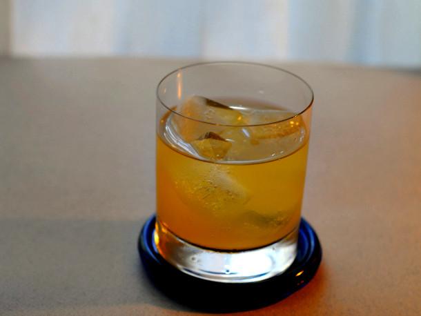 Scotch Whiskey Drinks  5 Essential Scotch Cocktails