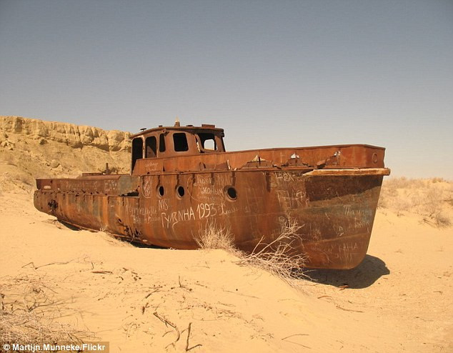 Ships Of The Dessert  Pictured The eerie rusting 50 year old ghost ships which