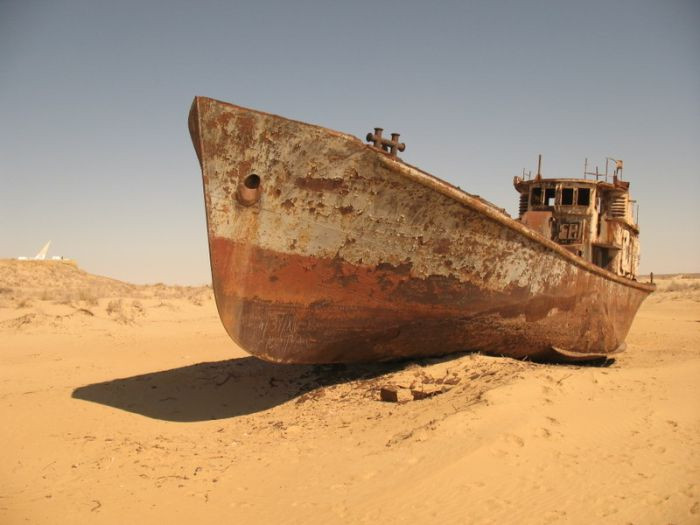 Ships Of The Dessert  Abandoned Ships of Dead Aral Sea 22 pics