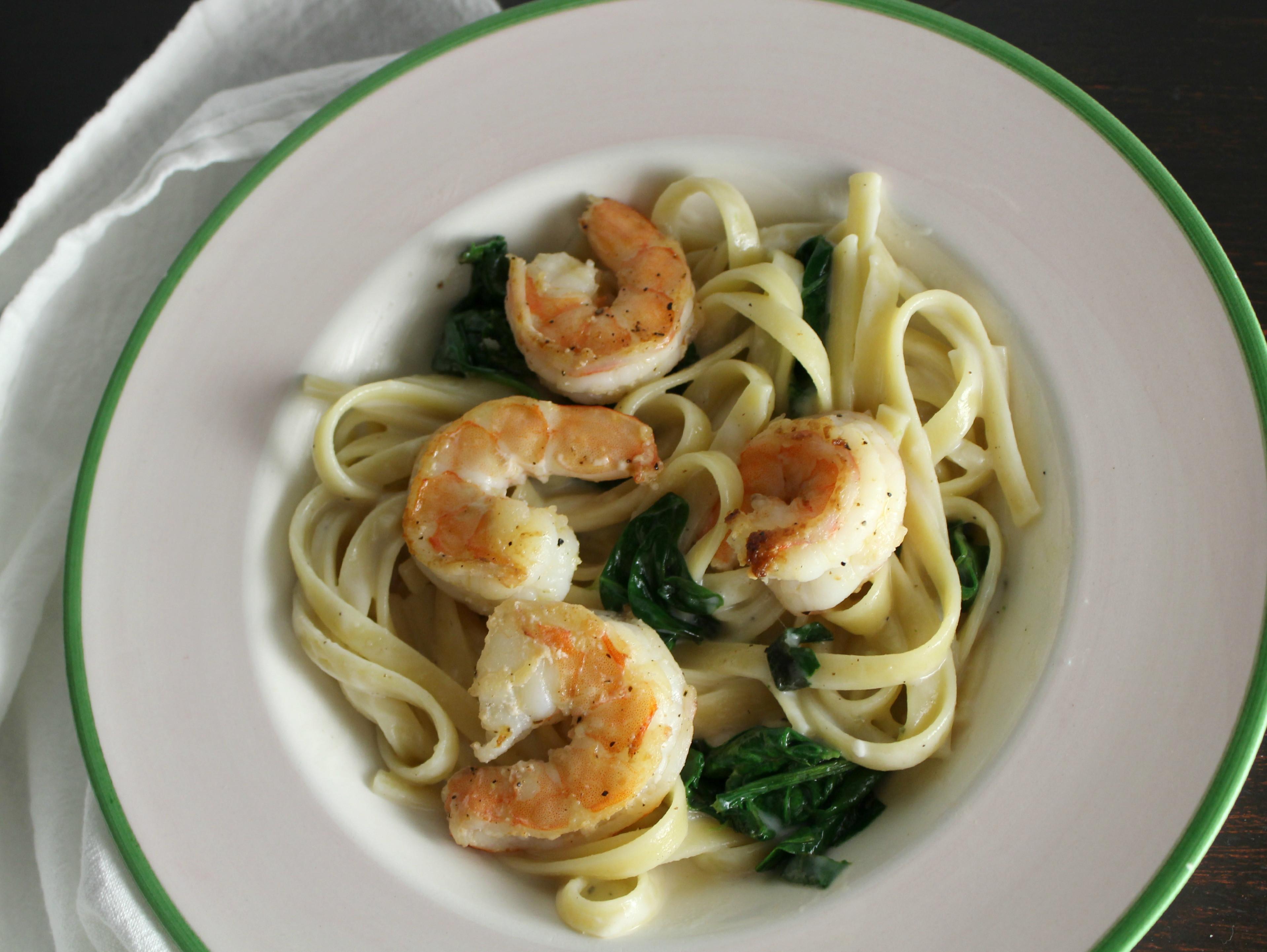 Shrimp And Spinach Pasta  Creamy Garlic Spinach and Shrimp Pasta Petit Foo