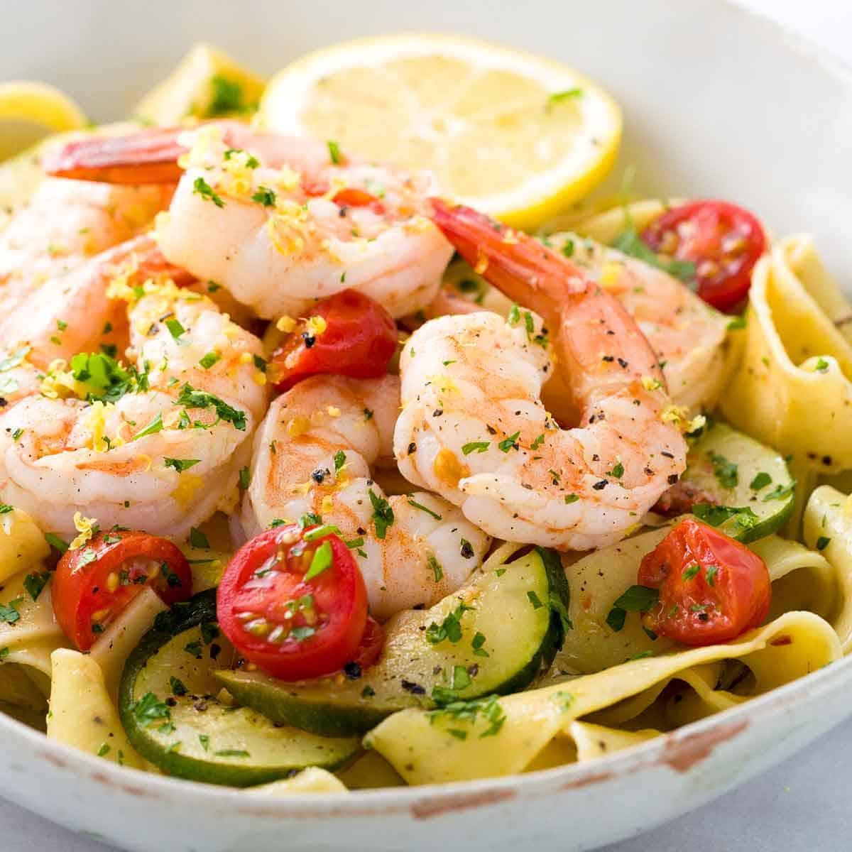 Shrimp Recipes With Pasta  Shrimp Pasta with Lemon Garlic Sauce