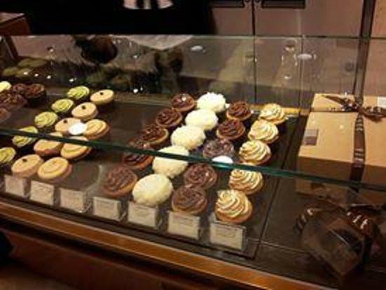 Sift Dessert Bar  Mini cupcakes Picture of Sift Dessert Bar Hong Kong