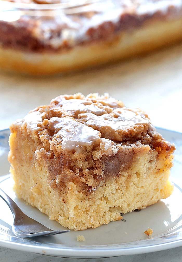 Simple Cake Recipe  Easy Cinnamon Roll Coffee Cake Cakescottage