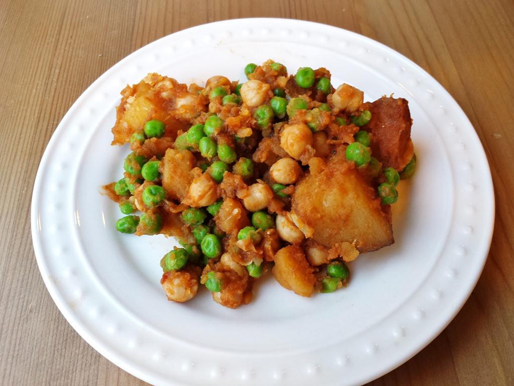 Simple Vegetarian Recipes  Easy Meatless Monday Recipe–Potato Masala CrockPot Simma