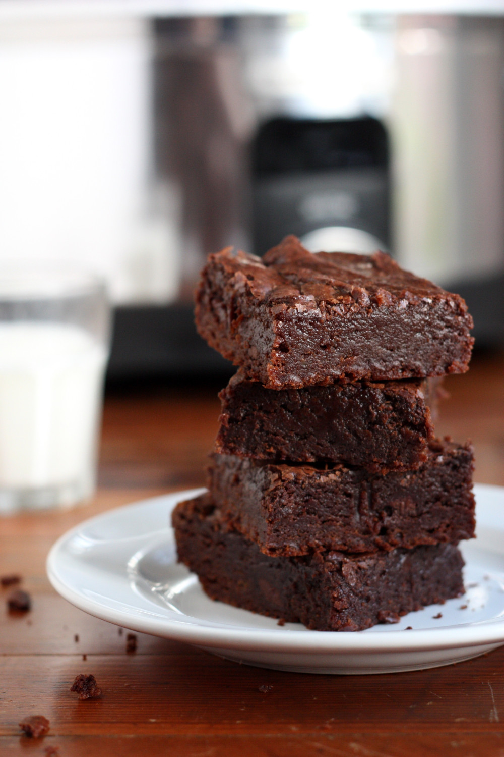 Slow Cooker Brownies  Center Stage Slow Cooker Fudge Brownies with pletely