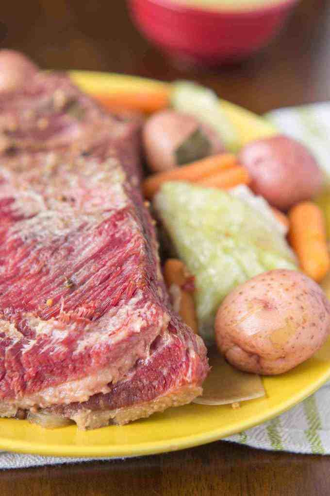 Slow Cooker Corned Beef And Cabbage And Red Potatoes  Slow Cooker Corned Beef with Cabbage and Potatoes