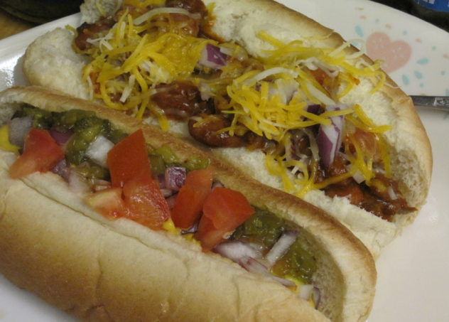 Slow Cooker Hot Dogs  Slow Cooker Hot Dog and Chili Bar