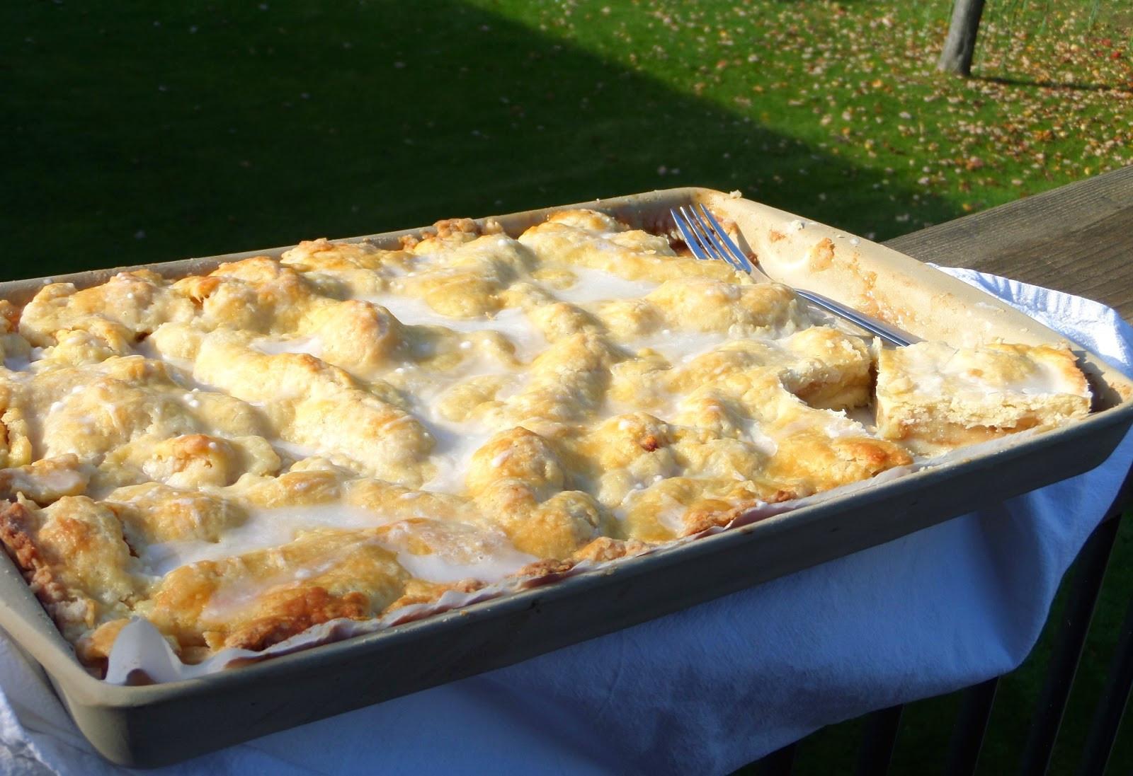Smitten Kitchen Apple Pie  Becki Melvie Smitten Kitchen s Apple Slab Pie