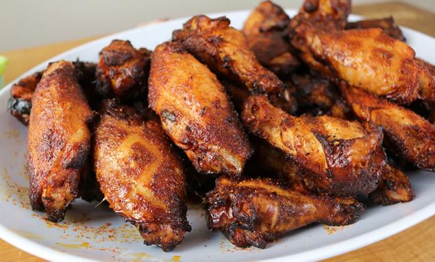 Smoke Chicken Wings  smoked pig wings