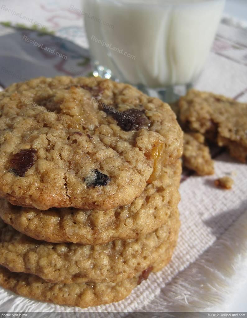 Soft Oatmeal Cookies  Amazingly Soft Oatmeal Cookies Recipe