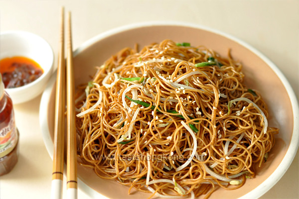 Soy Sauce Noodles  Soy Sauce Fried Noodles aka Chow Mein