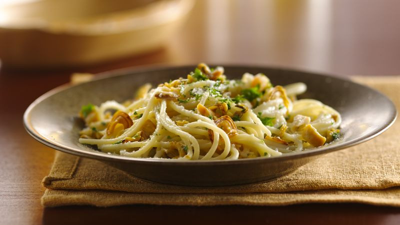 Spaghetti With Clam Sauce  Spaghetti with White Clam Sauce recipe from Betty Crocker