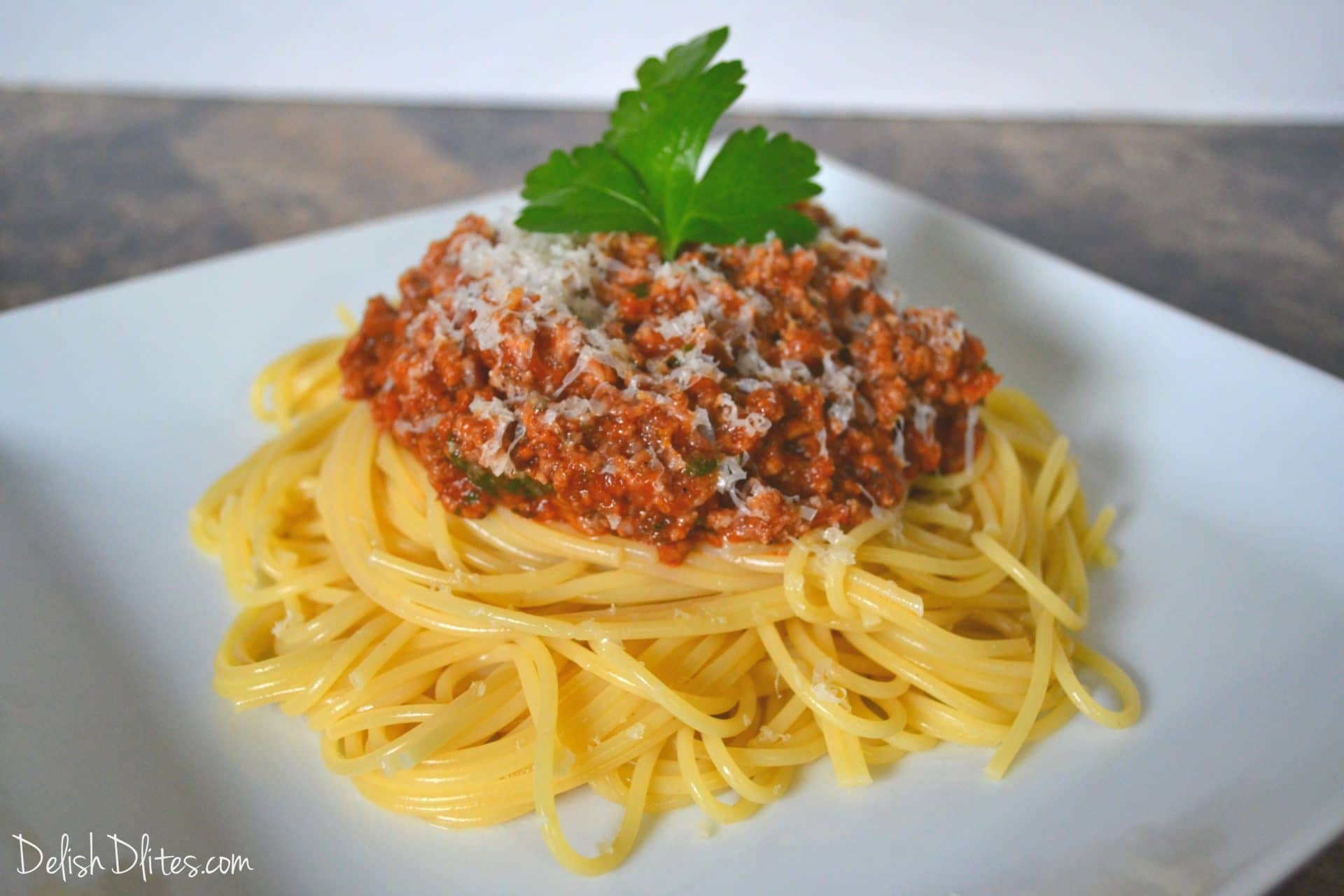 Spaghetti With Meat Sauce  Easy Weeknight Spaghetti with Meat Sauce