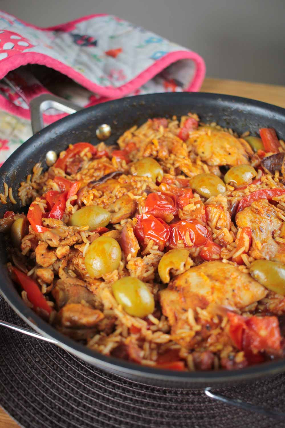 Spanish Chicken And Rice  Spanish chicken and rice recipes easy Food easy recipes