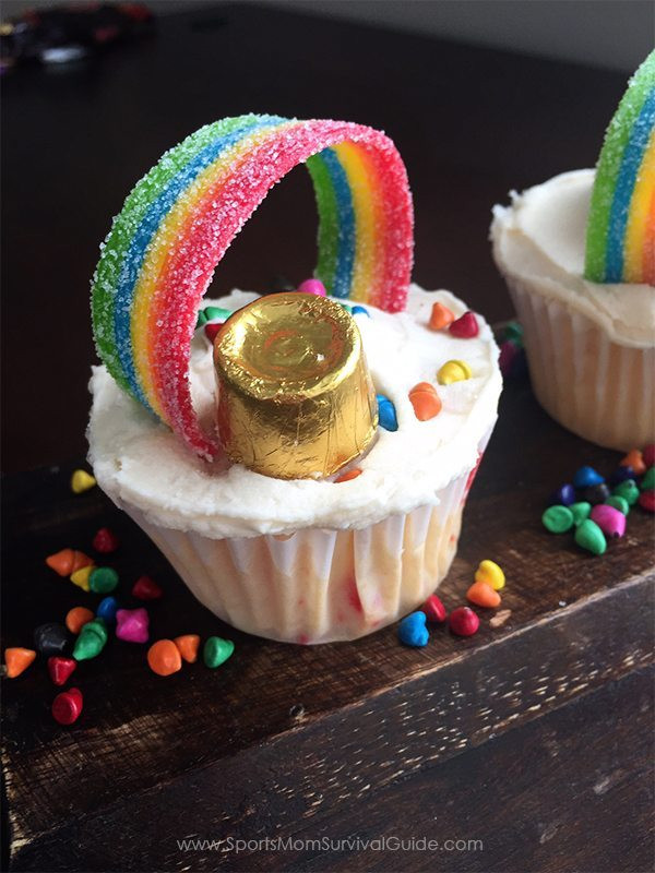 St Patricks Day Cupcakes  Easy St Patrick s Day Cupcakes