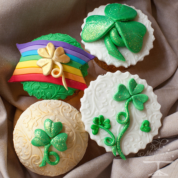 St Patricks Day Cupcakes  St Patrick's Day Cupcakes with Fondant Decorations