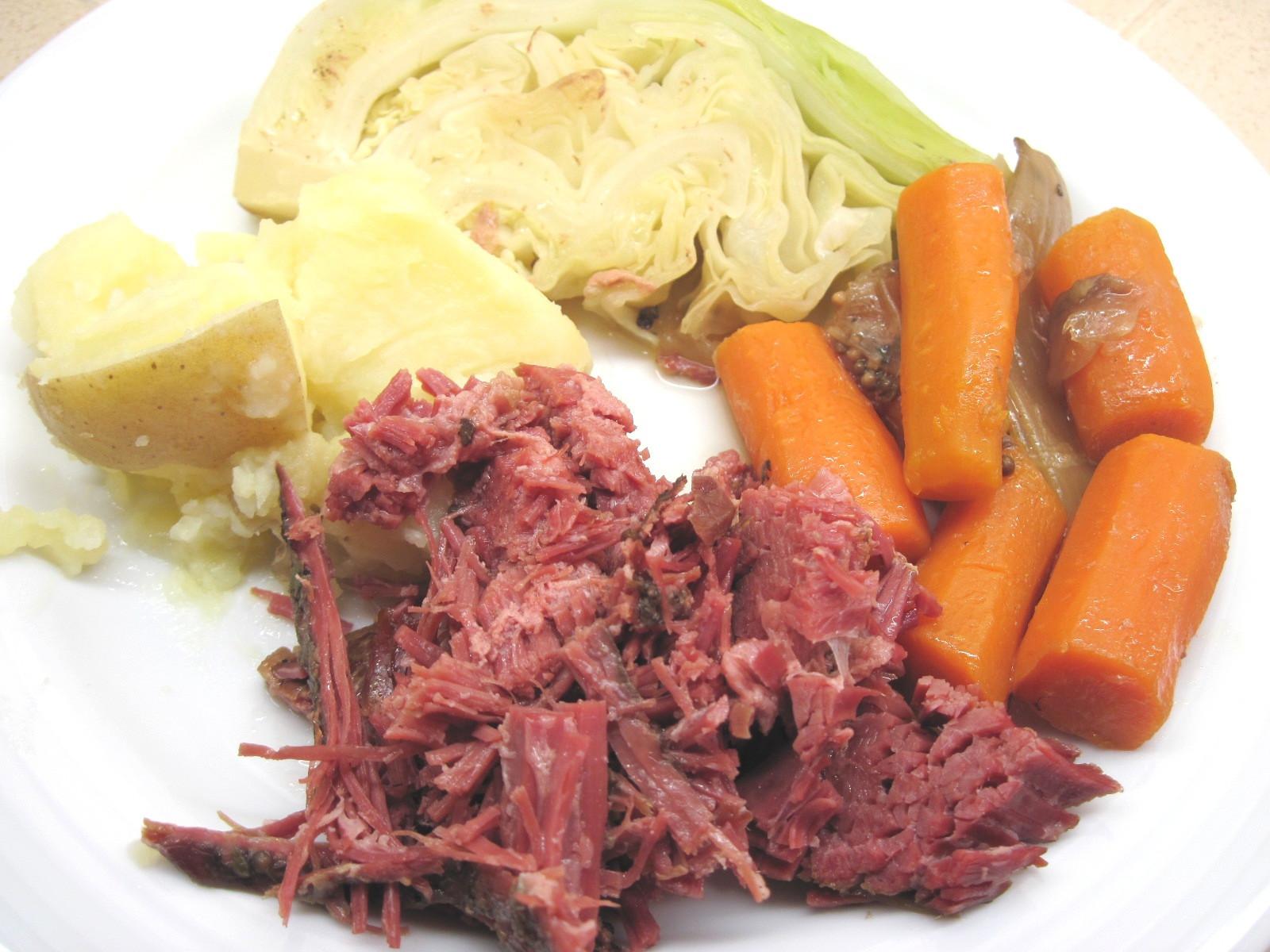 St Patricks Day Dinner  St Patrick's Day Corned Beef Dinner