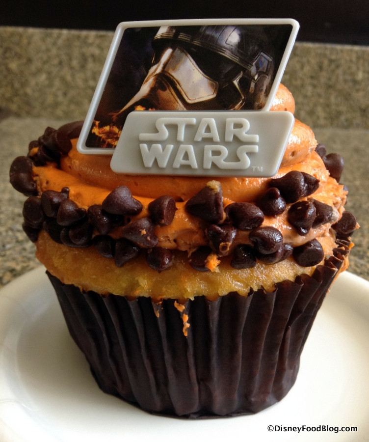 Star Wars Cupcakes  Review Star Wars Cupcake at Contempo Cafe in Disney s