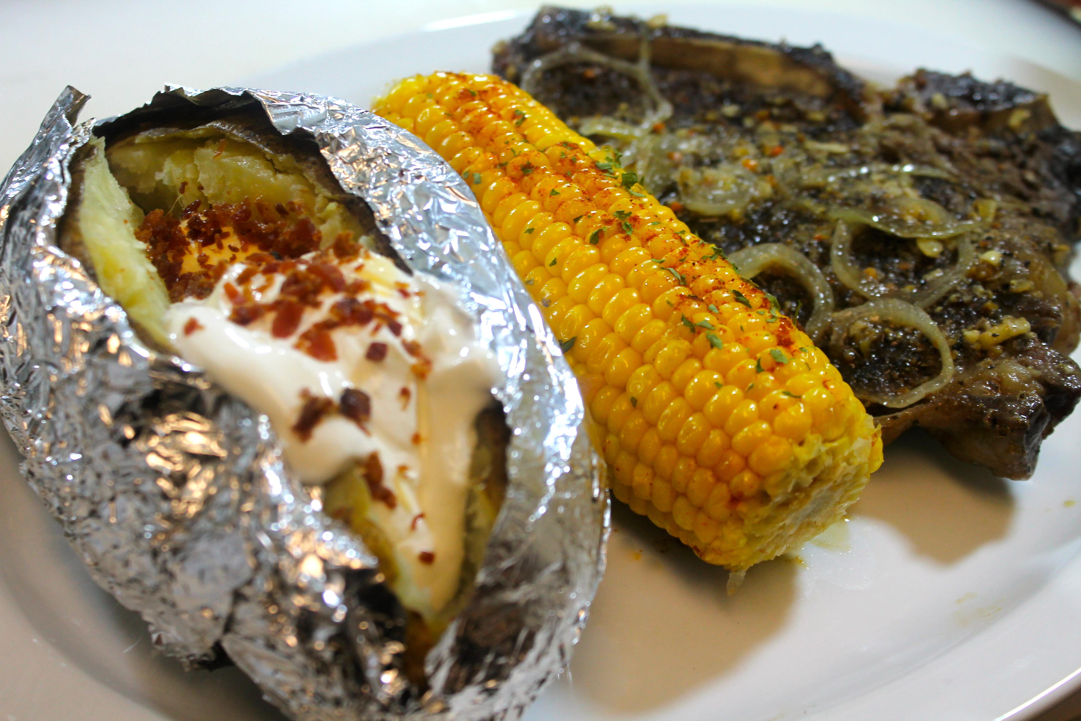 Steak Dinner Sides  Garlic Steak Dinner For Two