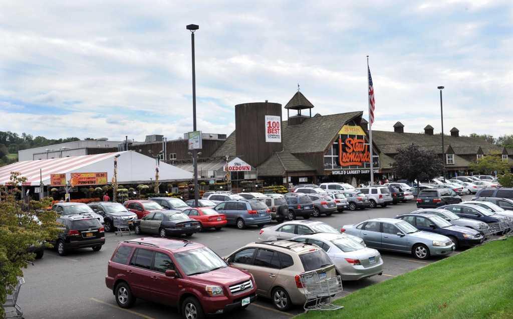 Stew Leonard'S Danbury  Stew Leonard s hosts 25th anniversary celebration in