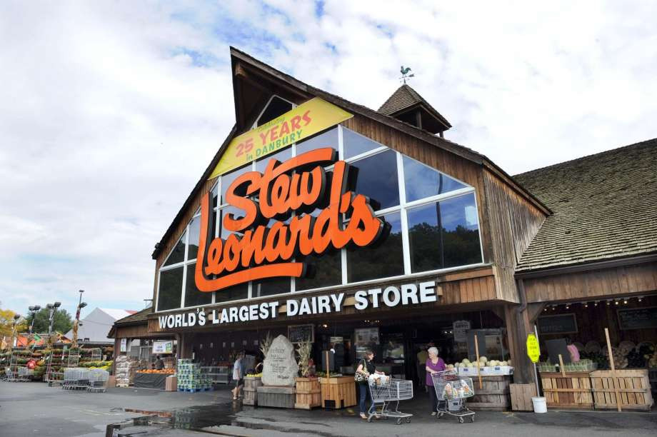 Stew Leonard'S Danbury  Stew Leonard's crab meat incident appears to be 'isolated