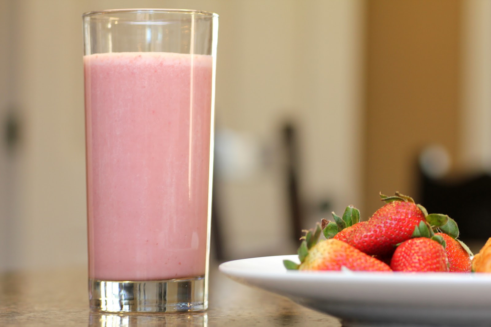 Strawberry Banana Protein Smoothies  Protein Shakes The Pros and Cons